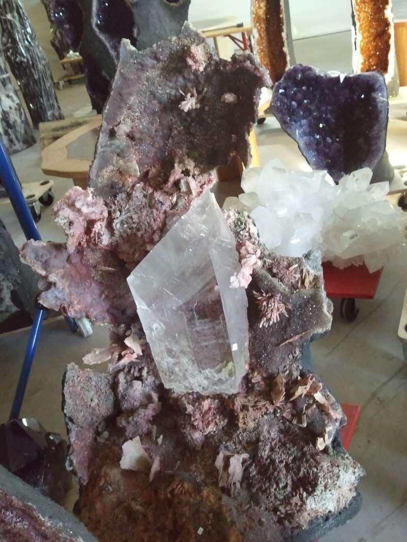 Kristall Kunstfelsen Statue